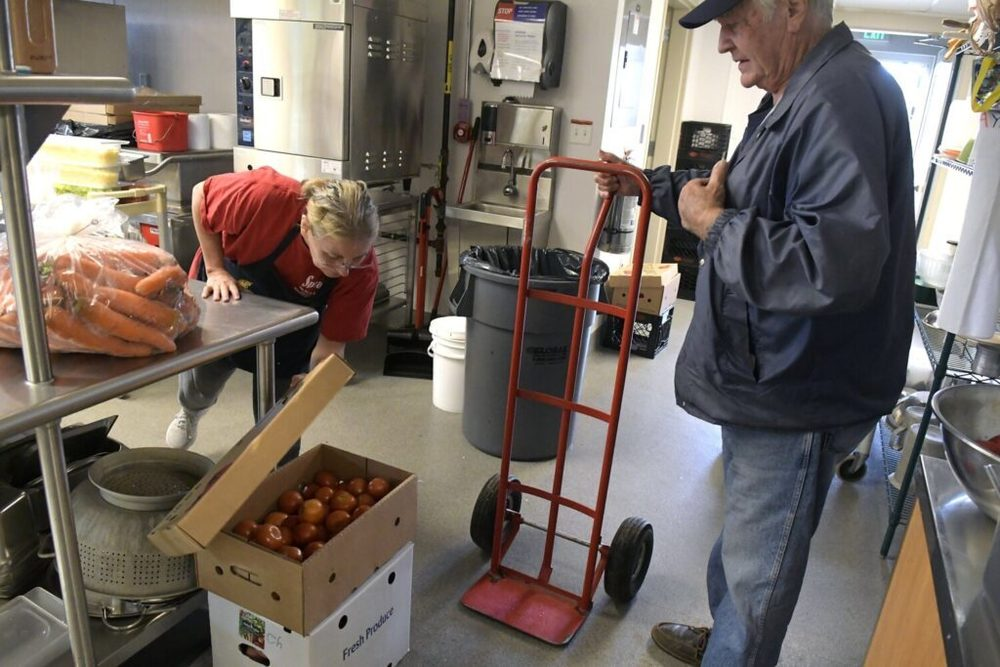 Harvest of the Month program gets local food into Maine schools