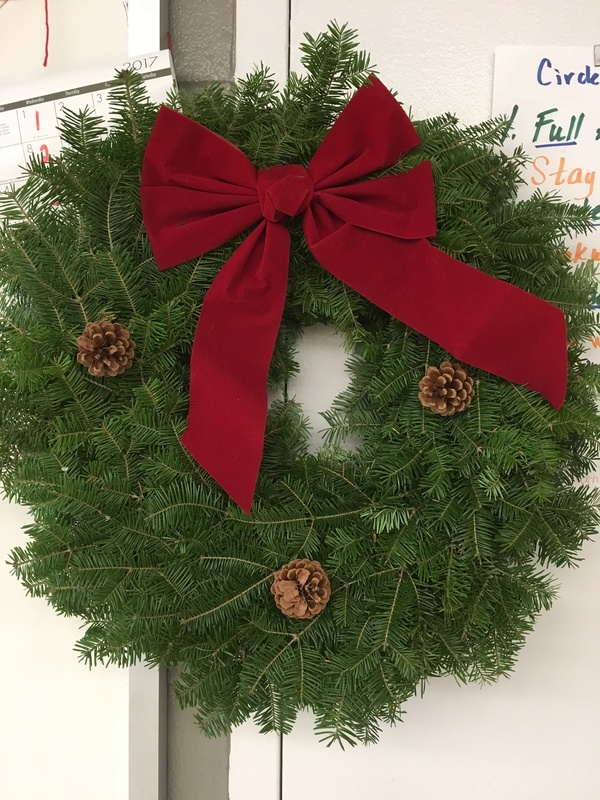 8th Grade Fundraiser - Christmas Wreaths